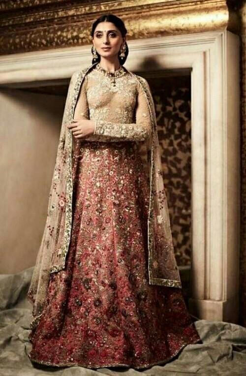 looking for this lehenga pernia's lehenga - SeenIt