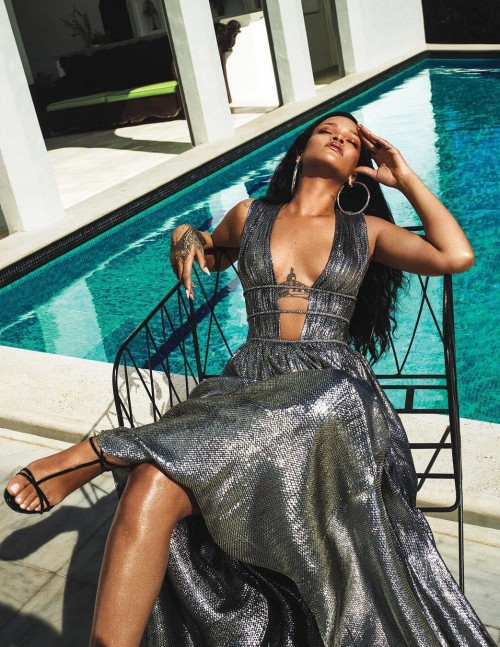 Yay or Nay? Rihanna in this silver metallic shimmer dress - SeenIt