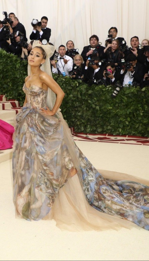 ae0255f652d5ef Ariana Grande in this tube draped ruffles at Met Gala 2018 -