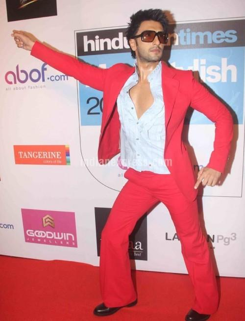 Ranveer's outfit at the HT Style Awards 2016! Yay or Nay? - SeenIt