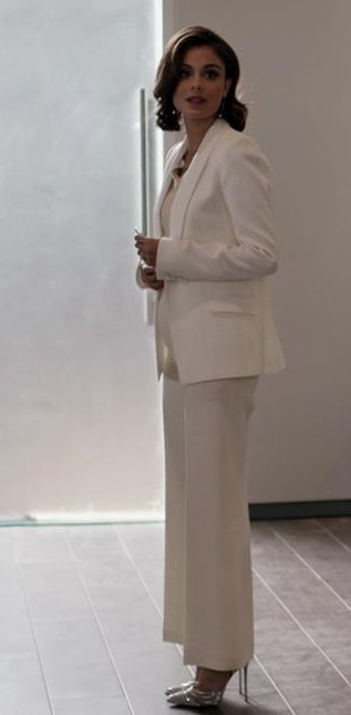 help me recreate a similar outfit like cristal's , the white wide leg pants and white blazer - SeenIt