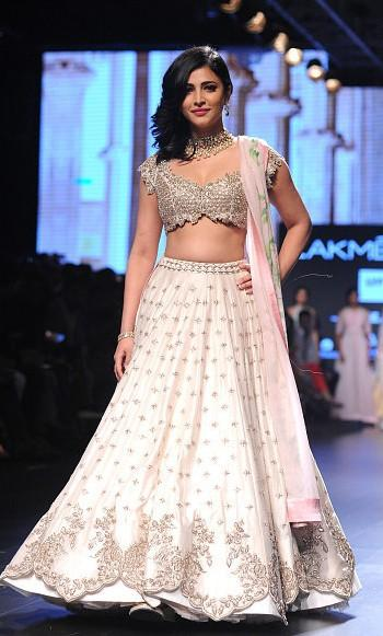 Shruti looked gorgeous in the Akanksha Reddy lehenga. What do you think? - SeenIt