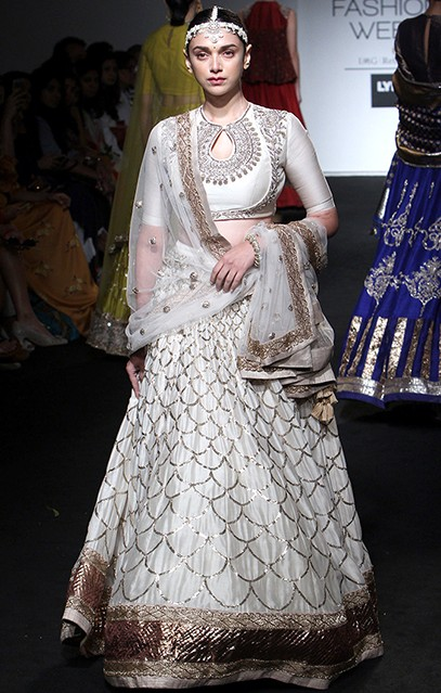 Aditi looked absolutely graceful in the Jayanti Reddy outfit. Do you agree? - SeenIt