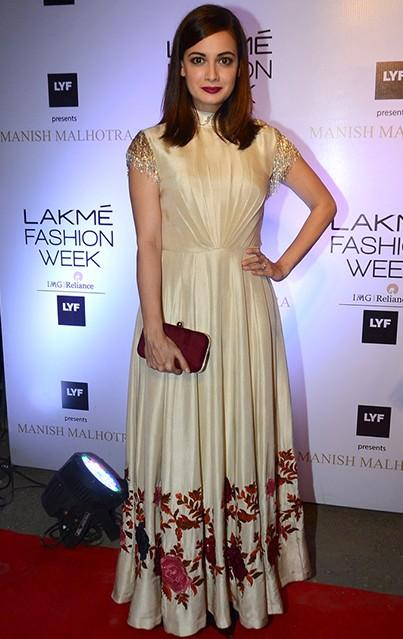Dia looked exquisite in the Manish Malhotra design. Do you agree? - SeenIt