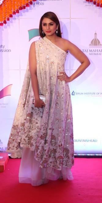 Huma Qureshi at the Royal Gala Dinner. Yay or Nay? - SeenIt