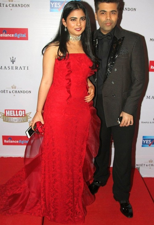 Isha looked gorgeous in her red gown! - SeenIt