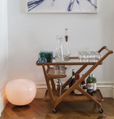 Looking for a similar bar trolley. So convenient for house parties! - SeenIt