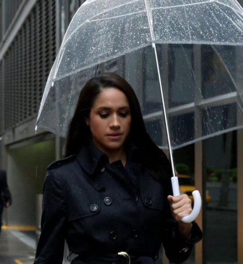 Looking for this transparent umbrella which Rachel Zane is wearing - SeenIt