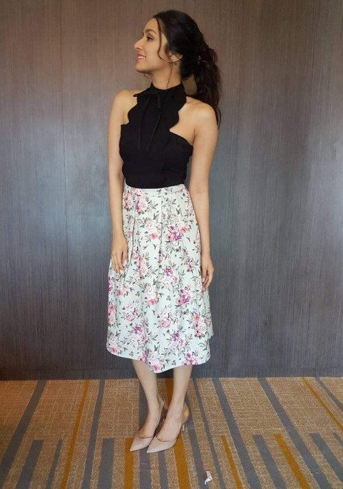 Looking for the black top and floral skirt which Shraddha Kapoor is wearing for Half Girlfriend promotions - SeenIt