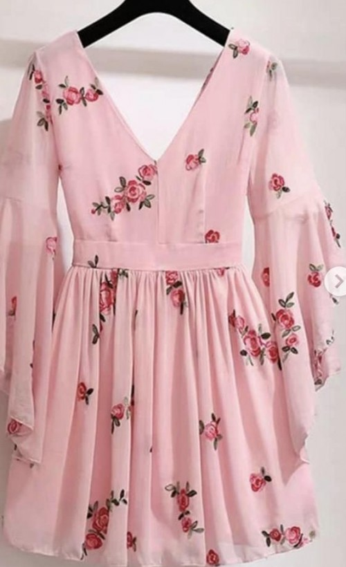 Want this pink floral dress - SeenIt
