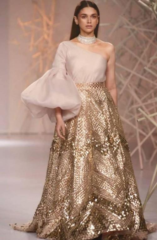 Yay or nay? Aditi Rao Hydari walks the ramp for Pankaj and Nidhi during the India couture week 2019 - SeenIt