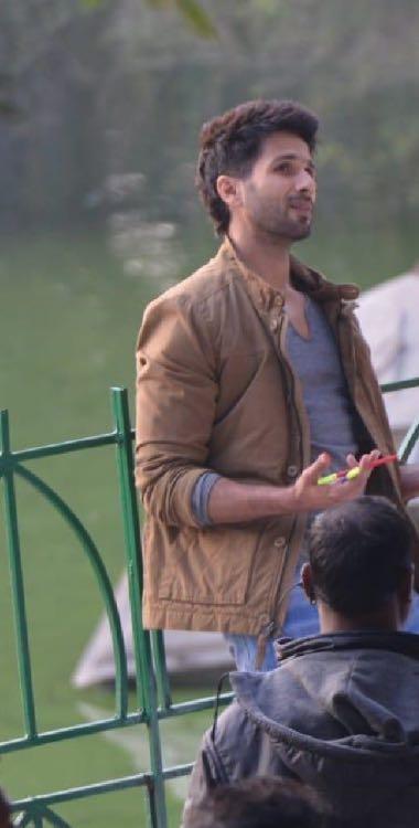 Looking for the brown jacket which shahid kapoor is wearing in the movie Kabir Singh - SeenIt
