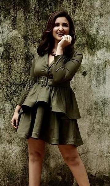 I'm looking for similar dress like parineeti Chopra - SeenIt