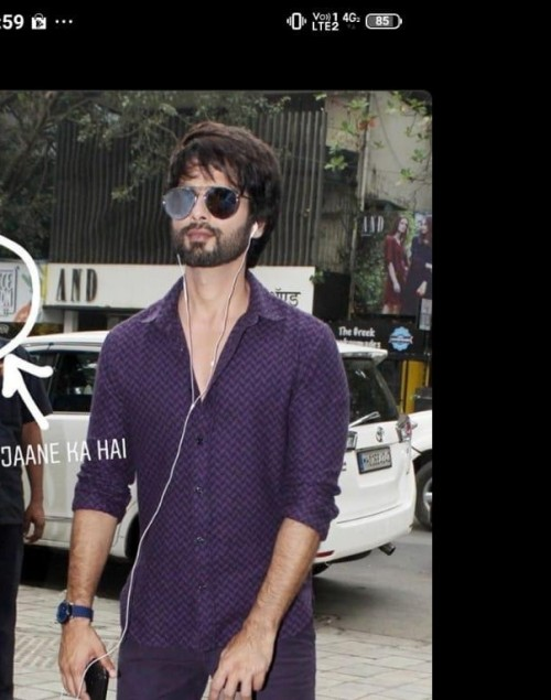 I'm looking for the same sunglasses which shahid kapoor - SeenIt