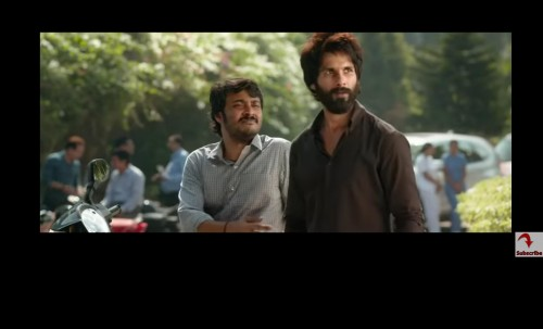 I'm looking for the exact same shirt Shahid is wearing in this still. - SeenIt