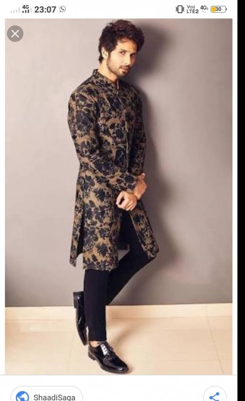 I  am looking for same outfit as shahid kapoor - SeenIt