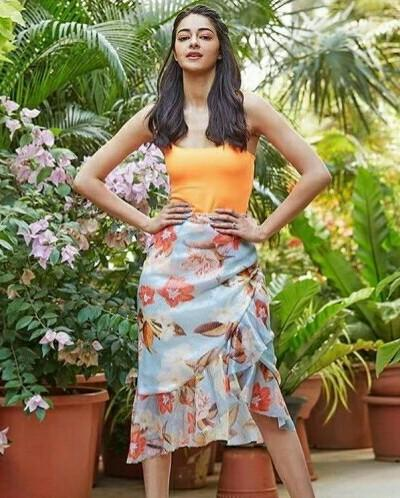 I am looking for same outfit as ananya panday - SeenIt