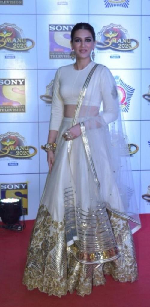 Yay or nay? Kriti Sanon attends the Umang awards 2020 held in Mumbai last night - SeenIt