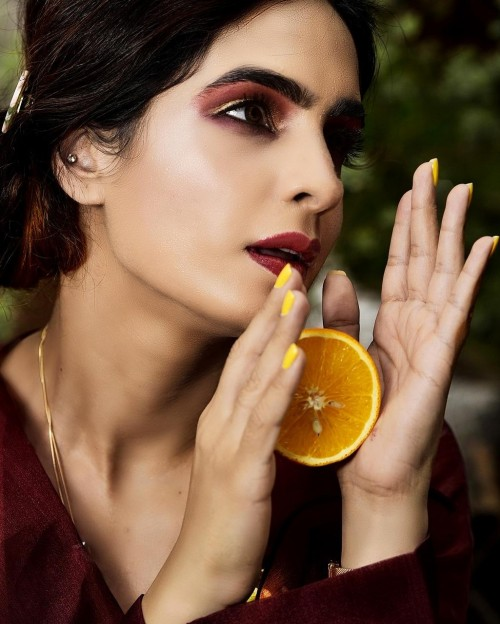 Yay or Nay ! Fruit makeup as seen on Fashion Blogger Garima Mehta (LadyInRoseGold) for this autumn - SeenIt