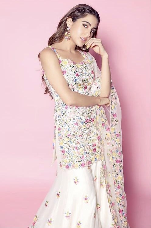 Yay or nay? Sara Ali Khan wearing a Tammana Punjabi Kapoor outfit at the promotions of Loveaajkal 2 - SeenIt