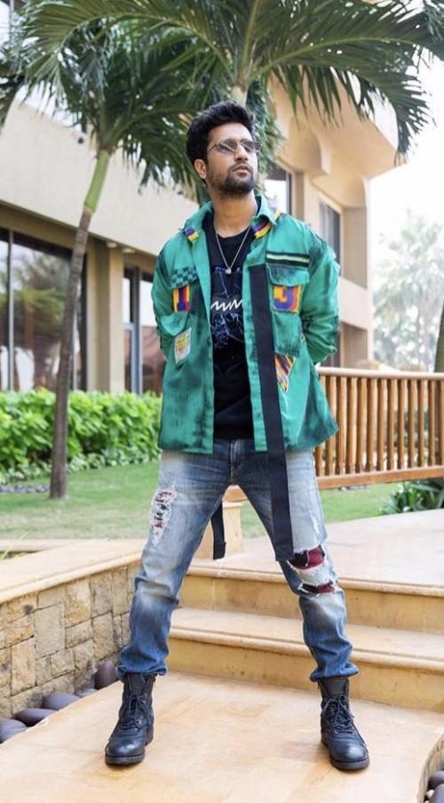 Shop Adityaroykapoor Malang Outfit On Seenit 72991