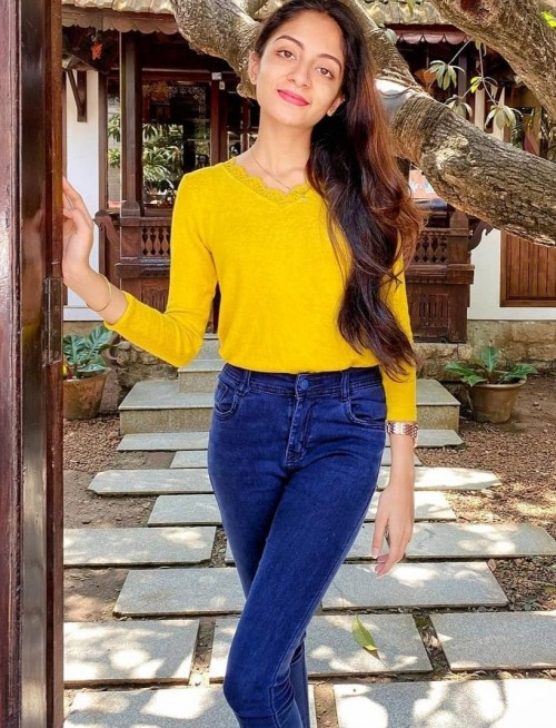 I'm looking for similar yellow top and jeans - SeenIt