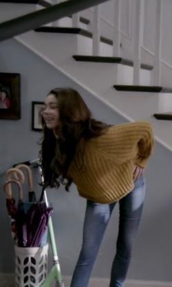 Hayley's yellow ribbed cardigan please - SeenIt