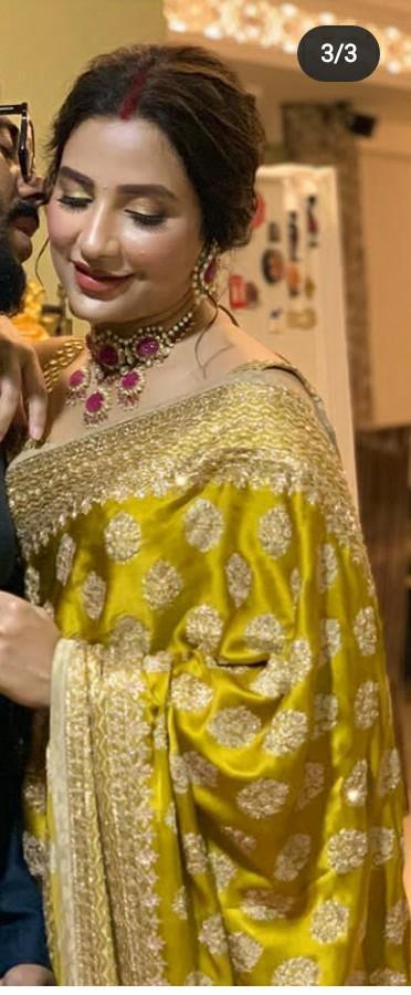 same Saree as like her - SeenIt