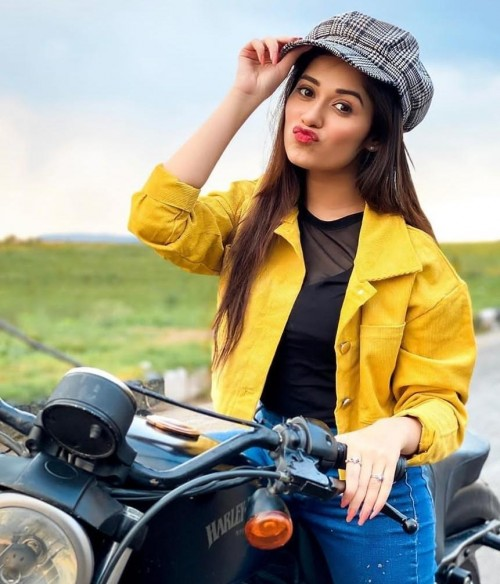 looking for same outfit as jannat zubair - SeenIt