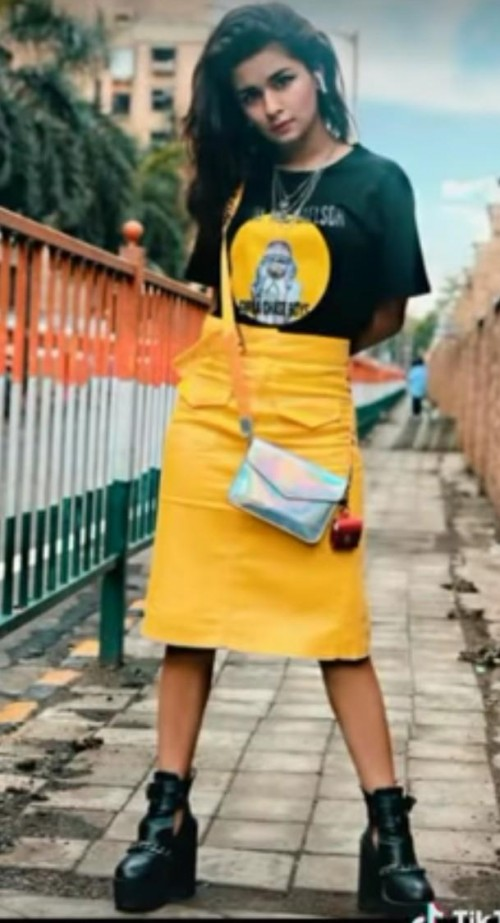 want the exact same outfit with sling bag - SeenIt