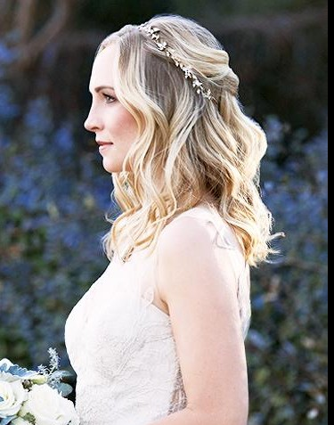 I'm looking for Caroline Forbes wedding hair piece/tiara, either the same on or something that looks like it! - SeenIt