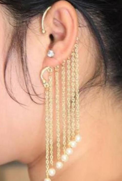 same earring - SeenIt