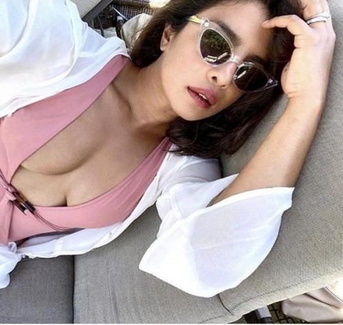 Help me find similar sunglasses - SeenIt