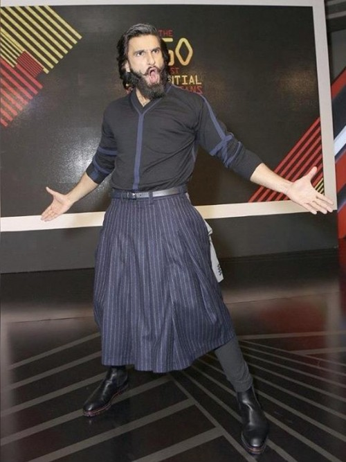 Yay or nay? Ranveer Singh spotted wearing a black and blue kilt attire - SeenIt