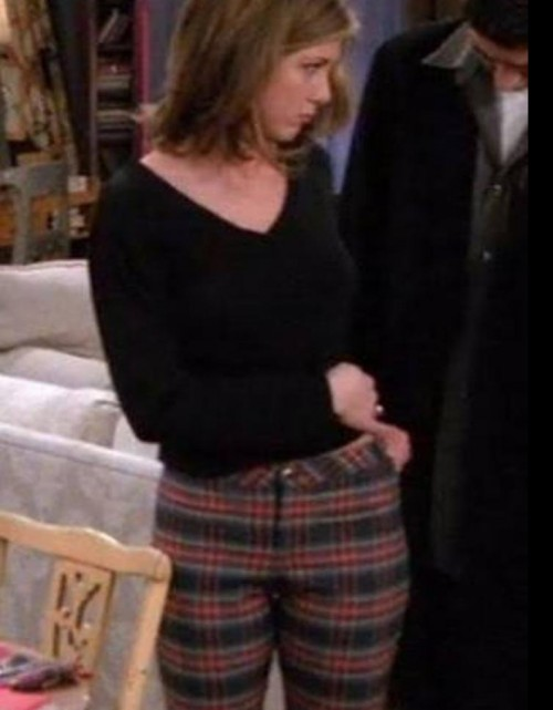 I'm looking for this pants same color which rachel green is wearing - SeenIt