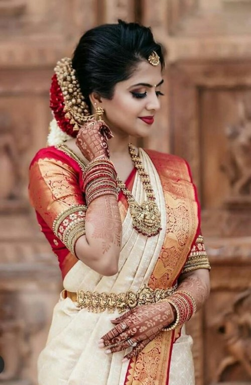 I'm looking for this similar saree and jewelry - SeenIt