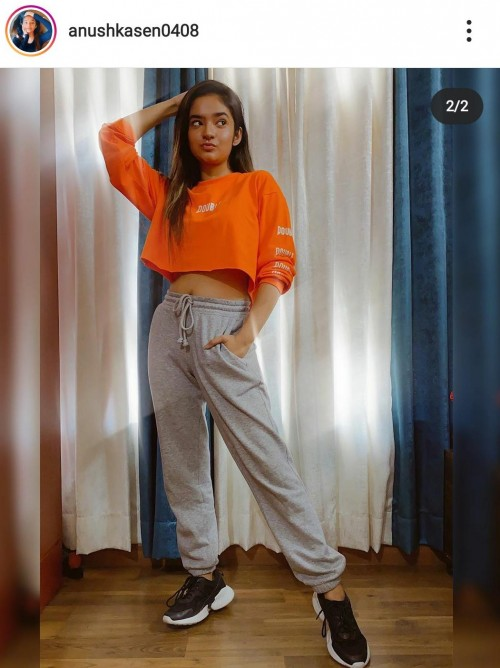 I'm looking for a similar topwear - SeenIt