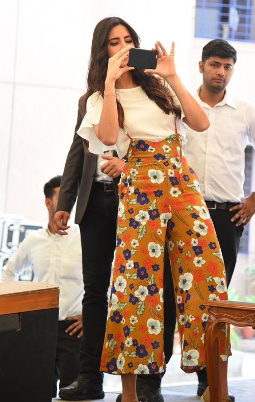 want this outfit which katrina kaif is wearing - SeenIt