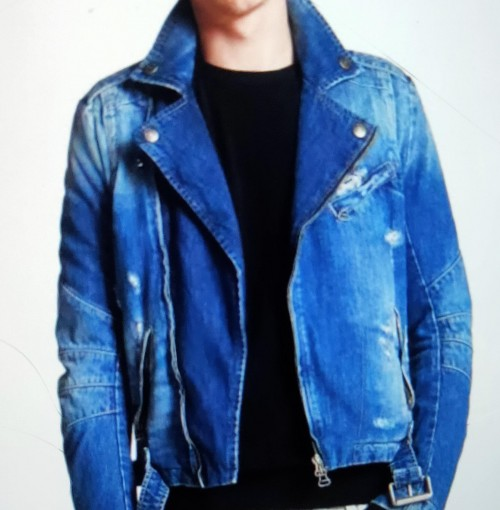 I'm looking for similar type of denim jacket - SeenIt