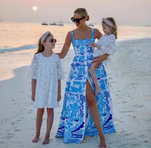 I am looking for this dress (blue one)! Any ideas of the designer? - SeenIt