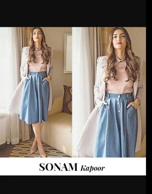 I am looking for similar outfit which sonam kapoor is wearing - SeenIt