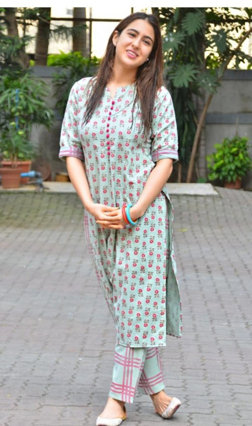 I'm looking for this type of churidar which sara ali khan is wearing - SeenIt