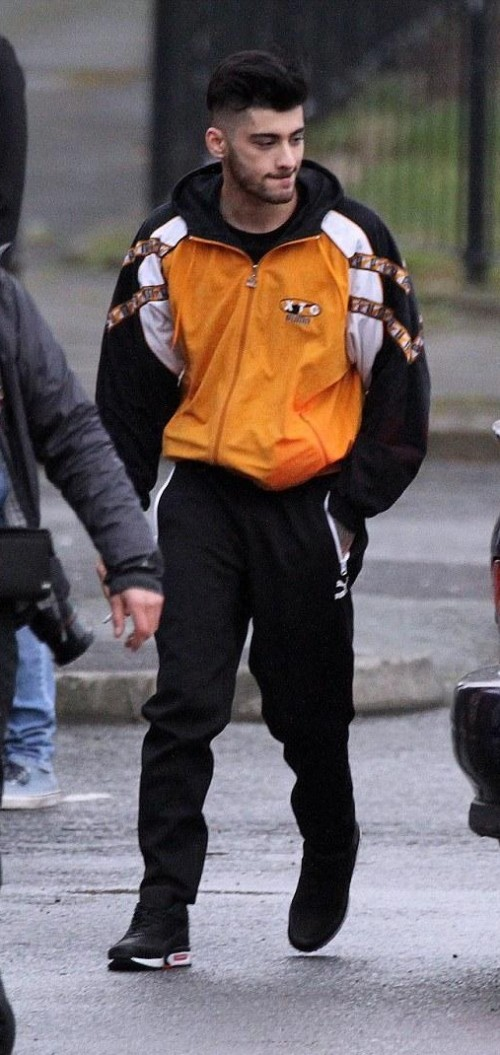 I want this type of jacket that Zayn has wear... It can be little different but should be like this;) - SeenIt