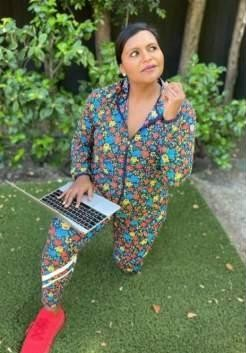 Mindy Kaling's floral pants please - SeenIt