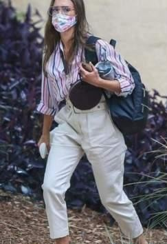 Need those pants please like Jessica Alba is seen wearing - SeenIt