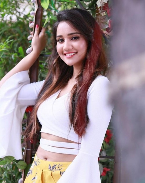 I am looking for this top of #ashisingh - SeenIt