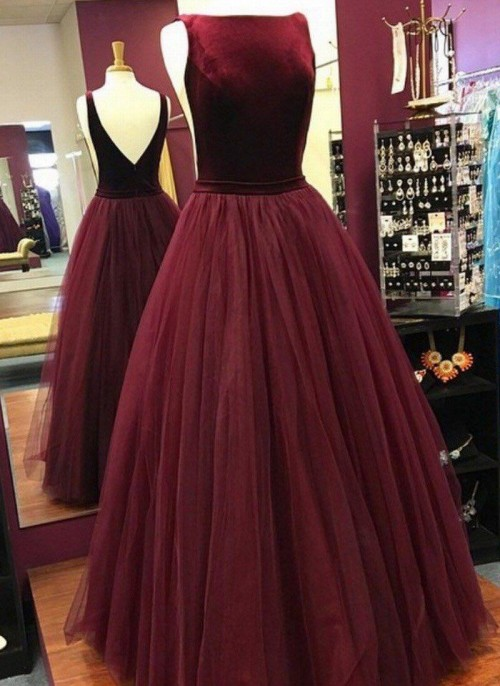 I am looking for the same dress - SeenIt