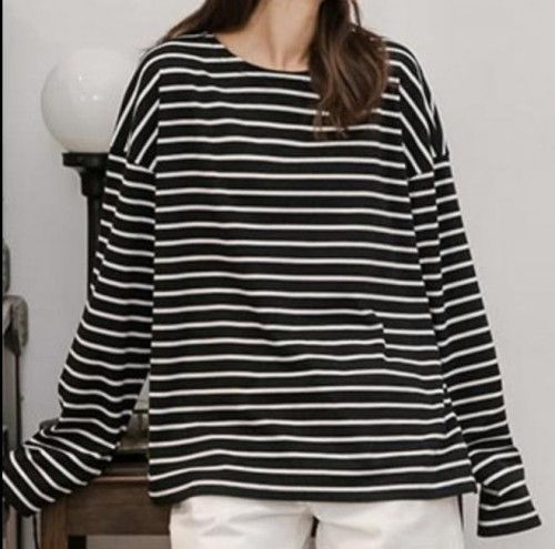 I am looking for this exact same oversized striped tshirt. - SeenIt