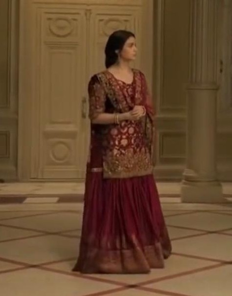 I am looking for this outfit, who is the designer? - SeenIt