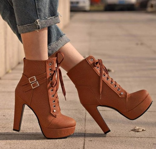 want this same shoes - SeenIt